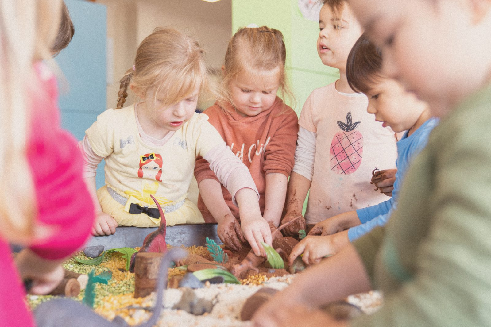 Settling in at child care: tips for the early weeks